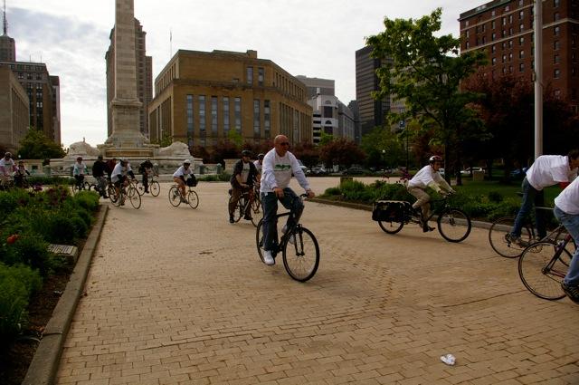Niagara Sq bikes